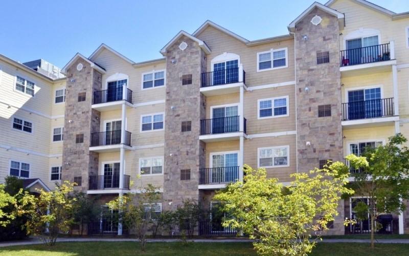 1 Bedroom Apartments For Rent In Bridgeport Ct Hallow Keep Arts